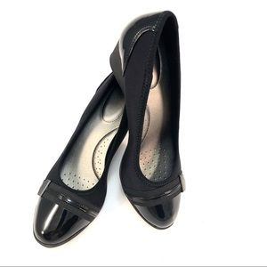 Time and Tru Shoes - Time and True Black Patent Size 8 Low Wedge Pump